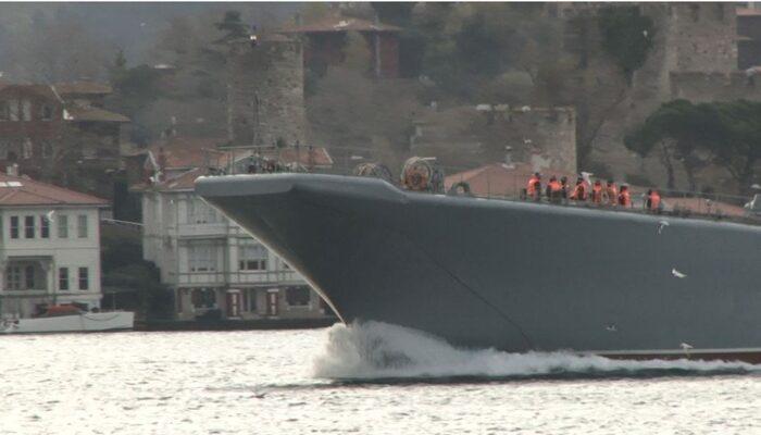 Rus savaş gemisi İstanbul Boğazı'ndan geçti! Dikkat çeken görüntü