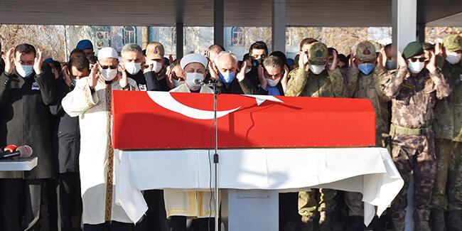 Şehit Astsubay Başçavuş Semih Özbey, Malatya'da son yolculuğuna uğurlandı