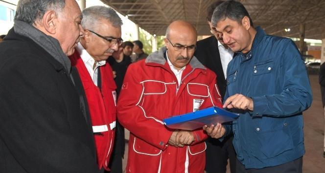 Sel felaketinde mağdur olanlara Türk Kızılay ve AFAD'dan yardım