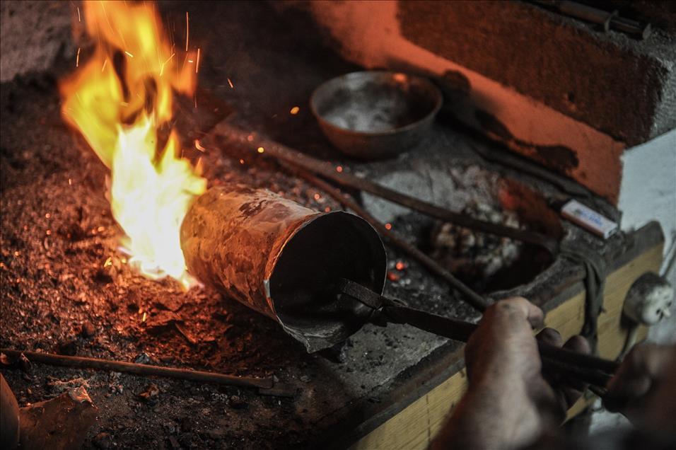 Semaverde çay yapmak için ağaç kestiği iddia edilen kişiye 825 lira para cezası