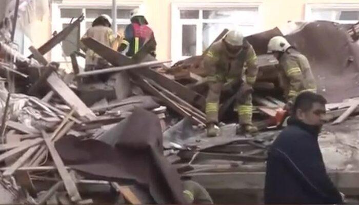 Son dakika: Bahçelievler'de bina çöktü