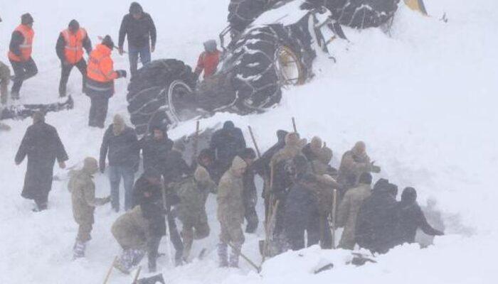 Son dakika: Çığ altında kalan itfaiye eri Mehmet Can Daşdemir'in cansız bedenine ulaşıldı