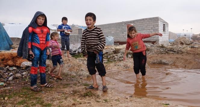 Suriye'de iç savaşın kaybedeni çocukların kamplardaki yaşam mücadelesi