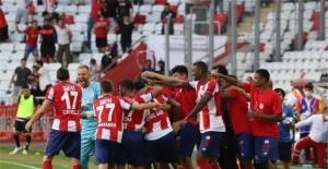 FT Antalyaspor, Adana Demirspor'a moralli hazırlanıyor