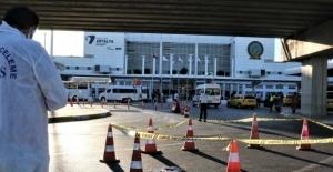 Havalimanındaki tramvay durağından aşağı...