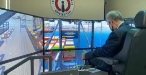 İskenderun'da limancılık eğitimine simülatör desteği