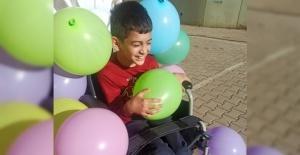 12 yaşındaki Hanifi tekerlekli sandalyesine kavuştu