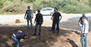 Antalya'da mezar şeklindeki tümsek polisi alarma geçirdi