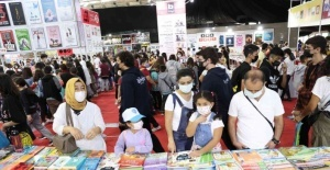 Antalyalı yazarlar 11. Antalya Kitap Fuarı'nda
