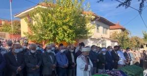 Burdur'da feci kazada hayatını kaybeden aile yan yana toprağa verildi