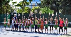 Kepez'de 29 Ekim 'tenis' turnuvası
