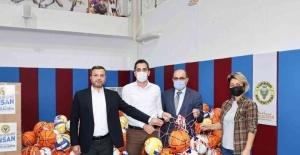 Okullara spor malzemesi desteği