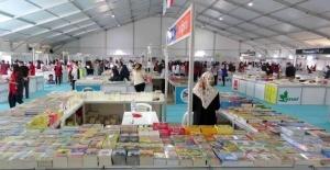Osmaniye'de 'Kitap Fuarı' kitapseverlere kapılarını açtı