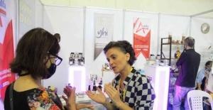 Türkiye'nin ilk doğal kozmetik üreticisi kadın kooperatifi YÖREX'te