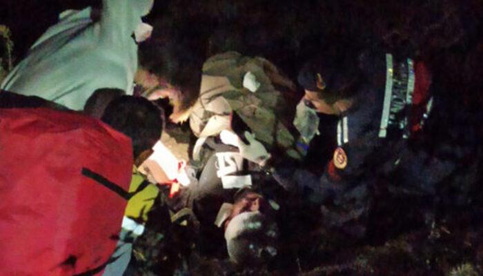 Antalya'da korkunç kaza! 250 metrelik uçuruma yuvarlandılar