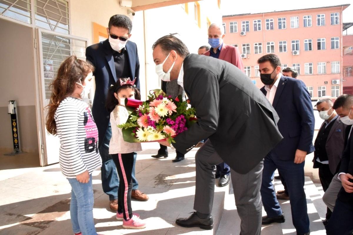 Baybatur'dan okullara ziyaret
