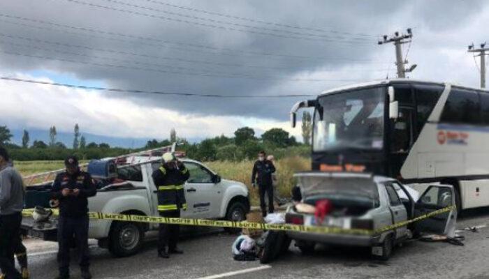Bursa'da kafa kafaya facia! Otomobildeki kadın öldü, eşi ağır yaralı