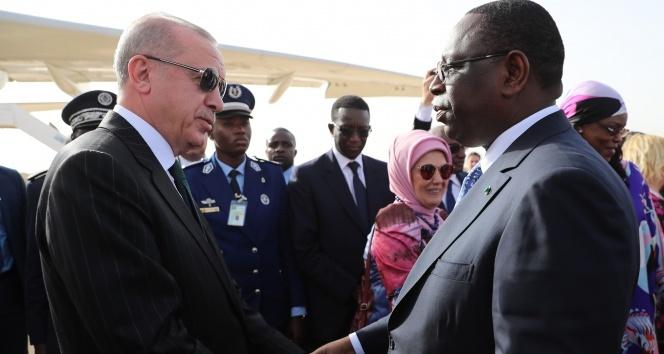 Cumhurbaşkanı Erdoğan Senegal'den ayrıldı