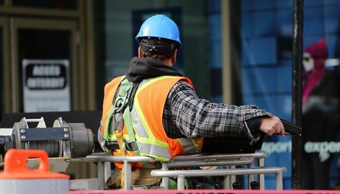 İş Güvenliği Uzmanı nasıl olunur? İş Sağlığı ve Güvenliği Kanunu değişti