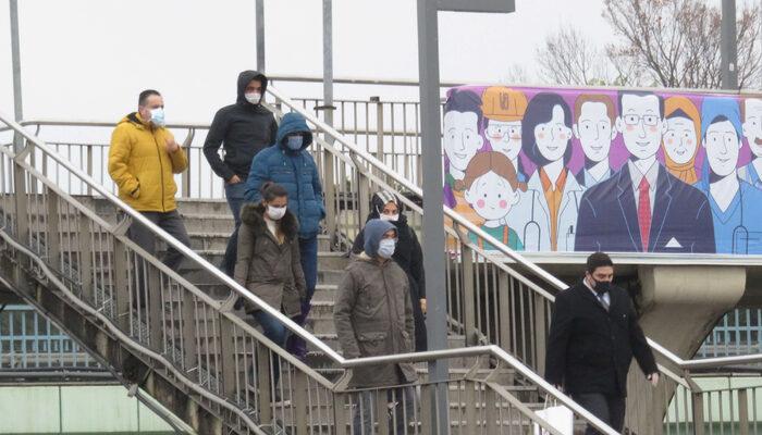 İstanbul'da haftanın ilk iş günü! Toplu taşımada maske kuralına uyuluyor