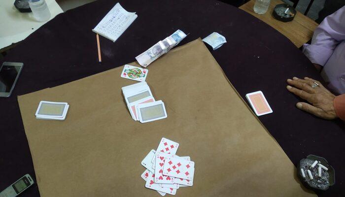 Kırıkkale'de gece yarısı kumar operasyonu: 12 kişiye idari yaptırım uygulandı