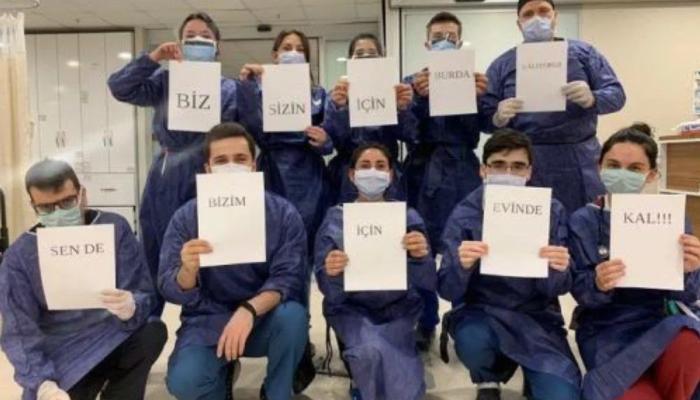 Türkiye tam 21.00'de balkonlardaydı! Sağlık çalışanlarına destek