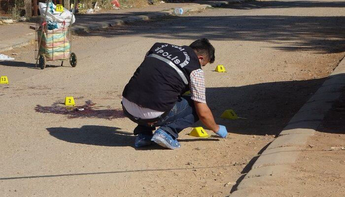 Uşak'ta parkta kan donduran cinayet! Eşiyle kaçan kuzenini önce vurdu ardından bıçaklayarak öldürdü