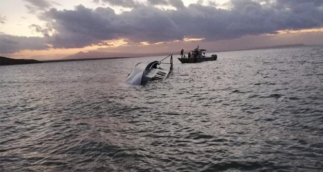 Van Gölü'nde göçmenleri taşıyan tekne battı: 7 ölü, 64 yaralı