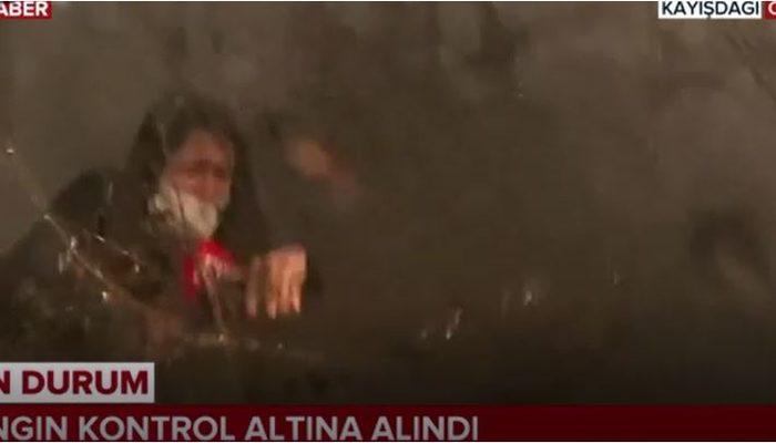 Yangın söndürme helikopteri tonlarca suyu TRT muhabirinin üzerine bıraktı