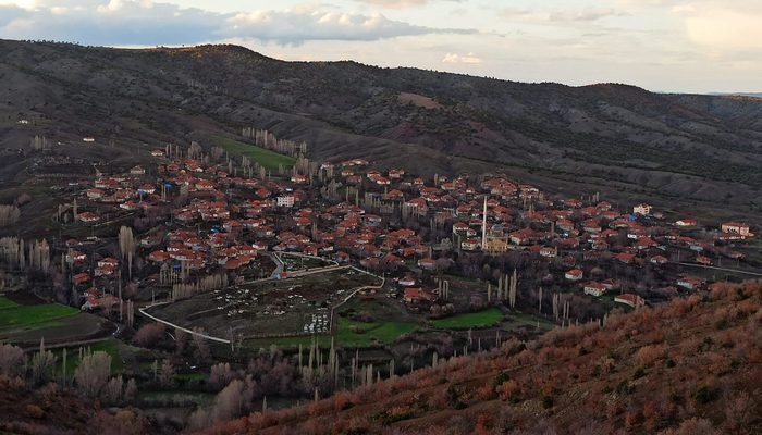 Yozgat'ın Yukarıkarahacılı köyünde karantina kaldırıldı