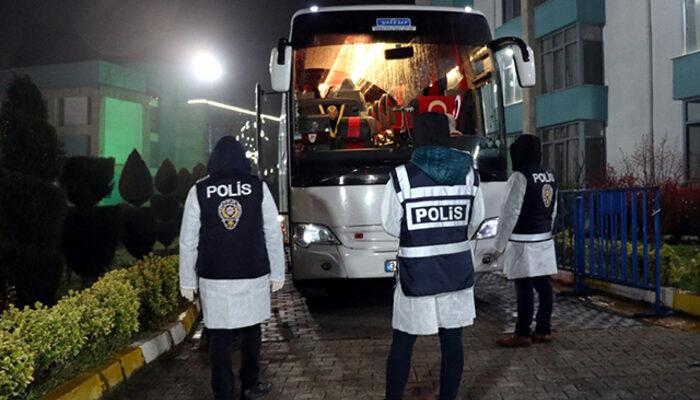 Yurt dışından gelen Türkler Sakarya'daki yurda yerleştirildi
